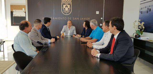 Comunidad y Ayuntamiento impulsan medidas de transporte que fomenten la actividad turística y la conectividad de San Javier - 1, Foto 1