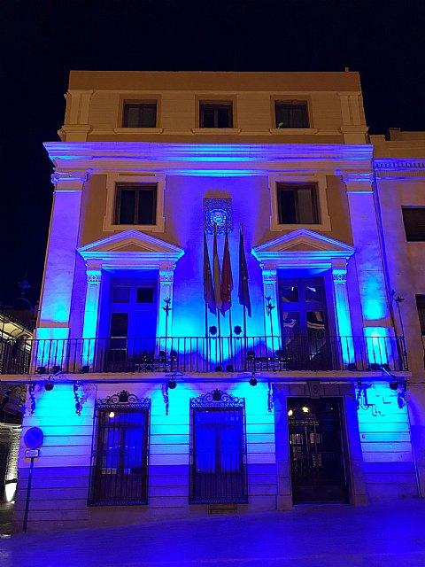 Mula celebra el día de Europa iluminando la fachada del Ayuntamiento de color azul - 1, Foto 1