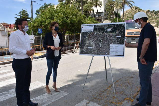 Alcaldesa y Consejero de Agricultura visitan las obras de construcción del colector de aguas residuales de avenida Río Segura que costará 760.000 euros - 1, Foto 1