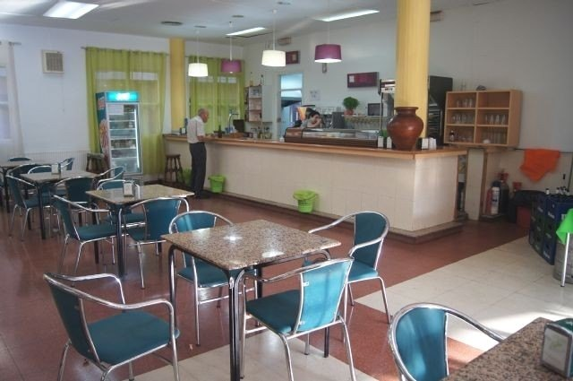 They initiate the file to contract the bar-cafeteria service at the Municipal Center for the Elderly of the Plaza Balsa Vieja