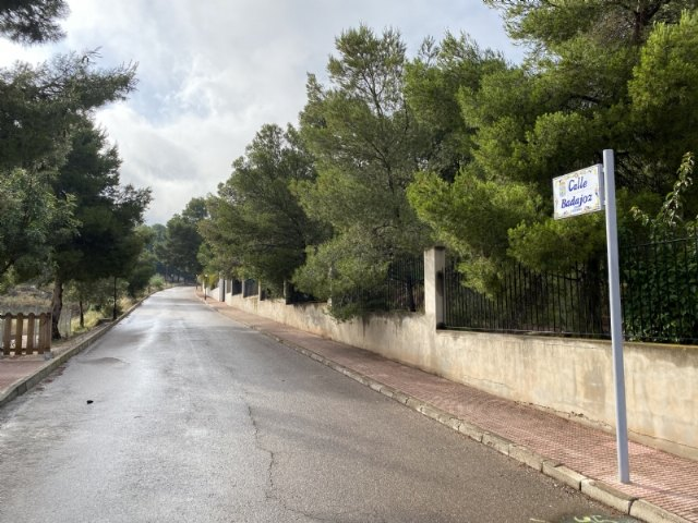 The urgent execution of the renovation works of the main drinking water pipeline in Badajoz street of the