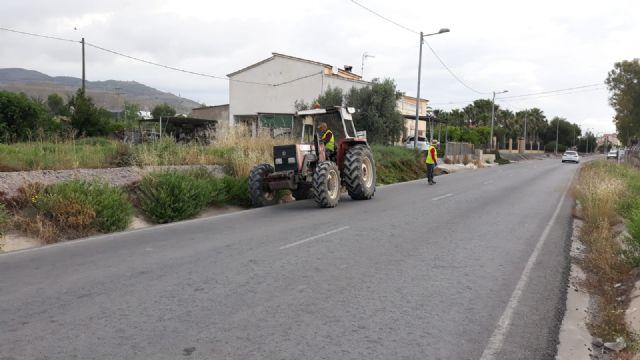 El Gobierno Regional acomete el desbroce y limpieza de varias carreteras del término municipal de Puerto Lumbreras - 2, Foto 2
