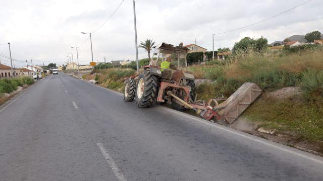 El Gobierno Regional acomete el desbroce y limpieza de varias carreteras del término municipal de Puerto Lumbreras - 3, Foto 3
