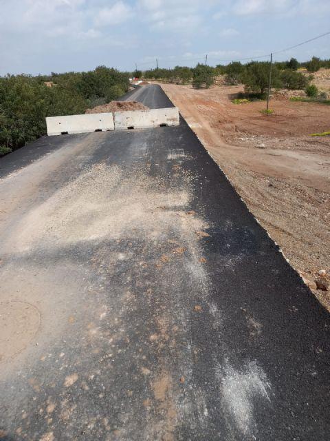 El secretario general del PSOE Cartagena Oeste denuncia la dejadez del Ayuntamiento en el arreglo de la carretera RM E18 - 1, Foto 1