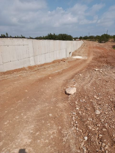 El secretario general del PSOE Cartagena Oeste denuncia la dejadez del Ayuntamiento en el arreglo de la carretera RM E18 - 2, Foto 2