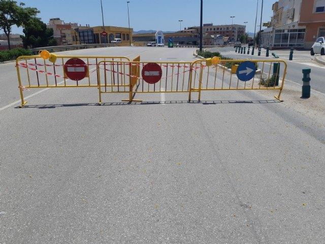 Se corta al tráfico uno de los carriles del subterráneo de La Turra por un leve desprendimiento de cascotes en el interior de la infraestructura - 4, Foto 4