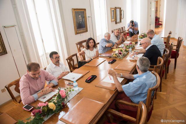 Constituida la mesa de trabajo para homenajear a las figuras históricas del fútbol cartagenero - 1, Foto 1