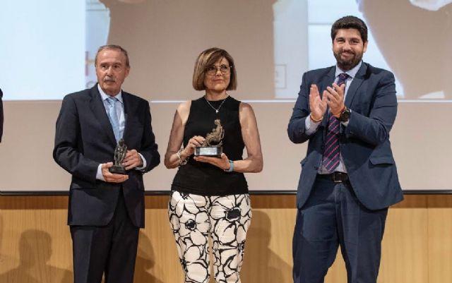 López Miras clausura el acto de entrega de  los premios del Foro Nueva Murcia, Foto 1