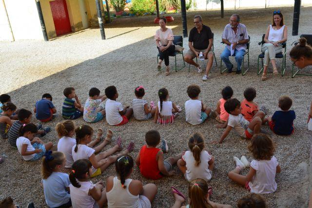 Los participantes en la Escuela Días No Lectivos participan en un taller de cuentos sobre el actor Paco Rabal - 1, Foto 1