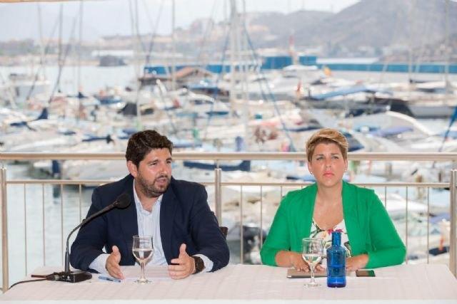 López Miras anuncia rebajas en el IRPF con las que los murcianos ahorrarán 18,2 millones de euros en 2019, Foto 1