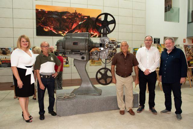 Antonio Rico y Eusebio García muestran la historia gráfica del cine en el municipio, Foto 1