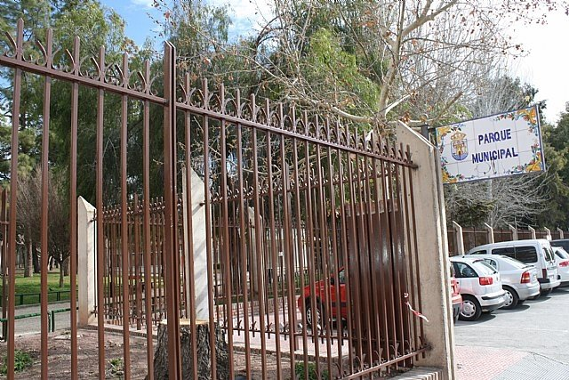 "The municipal park ""Marcos Ortiz"" closes this Wednesday to avoid accidents as a result of the effects of the strong wind, Foto 1"
