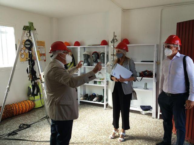Arrancan cuatro cursos del SEF que formarán a 50 desempleados para trabajar en el sector de la construcción - 2, Foto 2