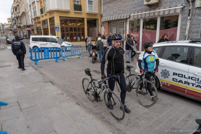 El centro de Cartagena vuelve a cerrar sus calles al tráfico rodado para facilitar la distancia de seguridad a los viandantes - 1, Foto 1