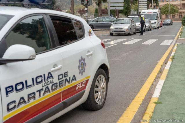La Policía Local participa en la nueva campaña de tráfico sobre Distracciones al Volante - 1, Foto 1