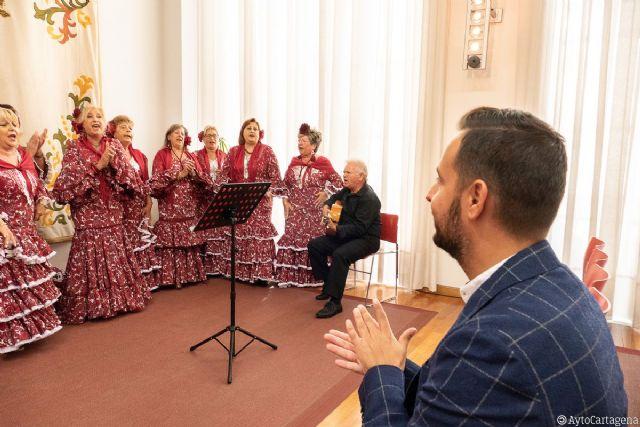 El coro rociero de mujeres Alba canta a beneficio de la Asociación Española Contra el Cáncer - 1, Foto 1