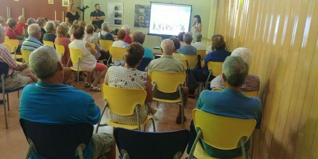 Decenas de personas participan en los talleres presenciales de los presupuestos participativos 2020 - 2, Foto 2