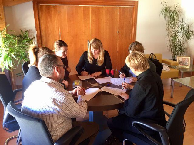 Usuarios del centro de día realizarán prácticas en empresas del municipio, Foto 2