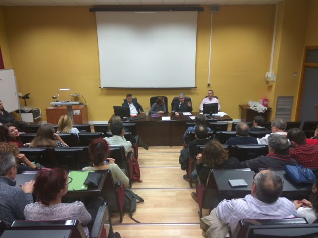 La Sociedad de Filosofía se reunirá con Martínez-Cachá y los demás partidos regionales para estudiar un cambio legislativo a favor de la filosofía - 3, Foto 3