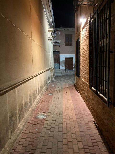 Mejorada la iluminación del callejón junto a la iglesia de Nuestra Señora de la Salceda - 1, Foto 1