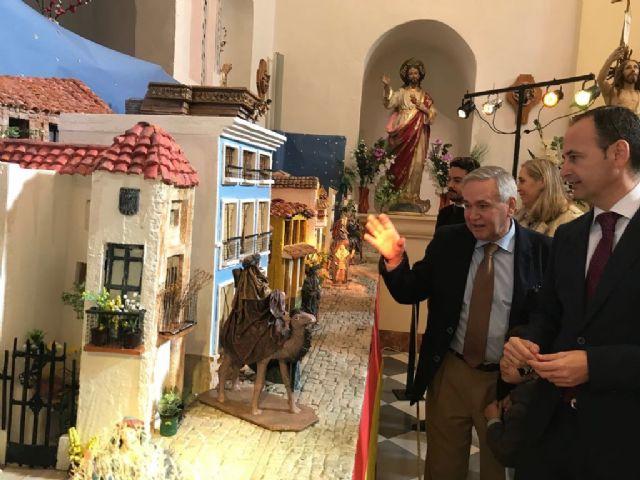 El consejero Javier Celdrán pregona la Navidad en Ojós y visita el Museo de Belenes del Mundo - 1, Foto 1