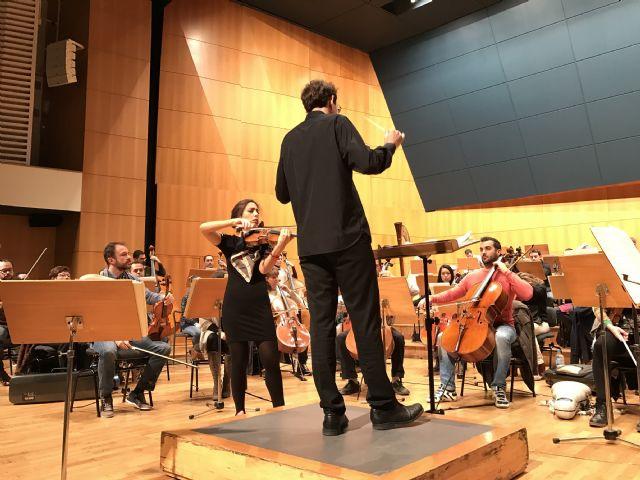 La Orquesta Sinfónica de la Región actúa esta semana en Murcia y Cartagena con la violinista Leticia Moreno y el director Pablo González - 1, Foto 1