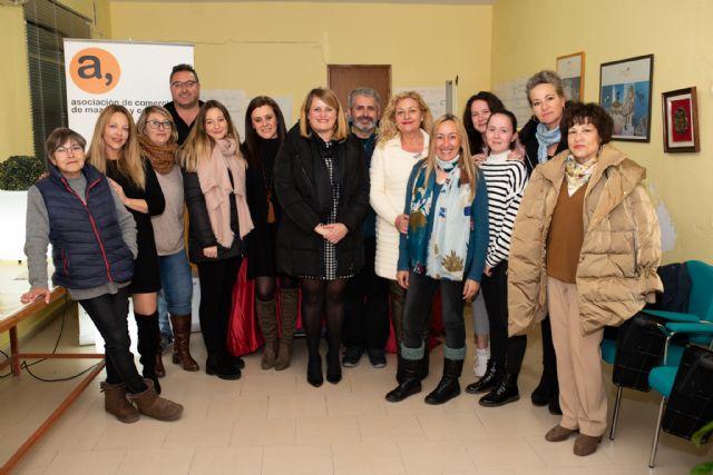 La caja mágica de ACOMA reparte 1.000 euros entre los clientes que hicieron sus compras en Mazarrón durante las fiestas, Foto 1