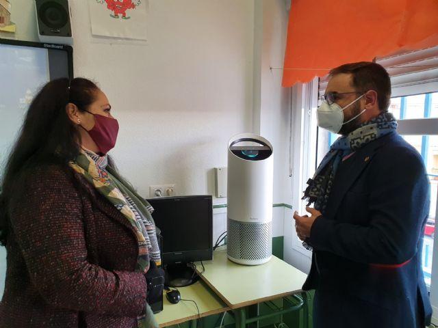 El Ayuntamiento de Lorca financia la compra de 678 aparatos purificadores de aire con filtros HEPA a todos los centros educativos del municipio - 1, Foto 1