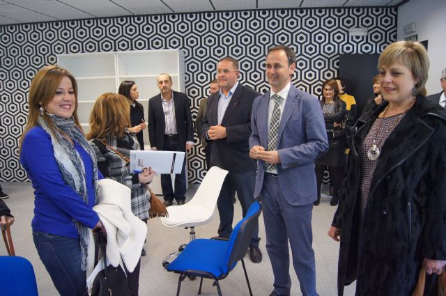 La red de viveros regional aloja a 135 emprendedores en 17 - Viveros en murcia ...