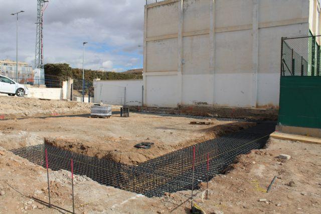En marcha las obras del rocódromo y del cambio de iluminación del Polideportivo La Hoya - 1, Foto 1
