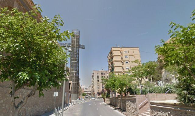 La calle Gisbert estará cortada al tráfico tres días por obras en el alcantarillado - 1, Foto 1