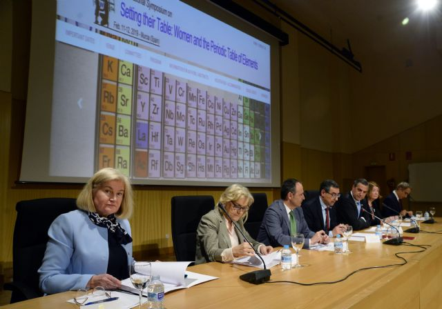 La Universidad de Murcia rinde tributo a las mujeres químicas y a su contribución a la tabla periódica - 1, Foto 1