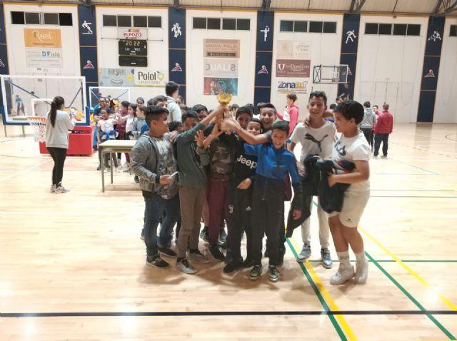 Ginés Díaz y Ricardo Codorníu se alzan con la victoria del baloncesto alevín escolar, Foto 6