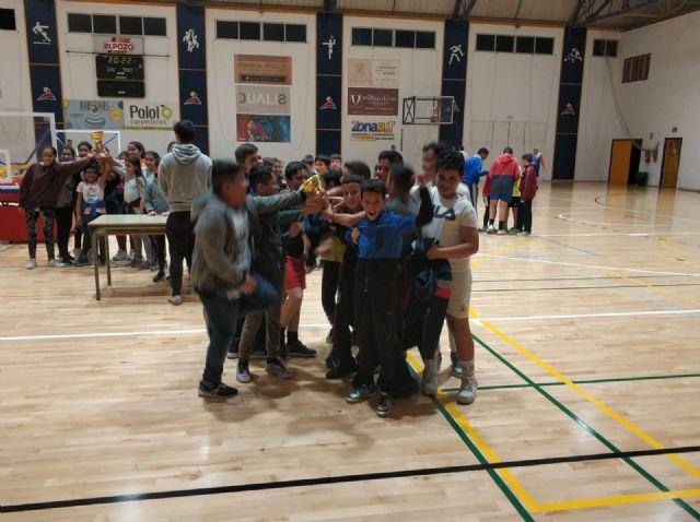 Ginés Díaz y Ricardo Codorníu se alzan con la victoria del baloncesto alevín escolar, Foto 7