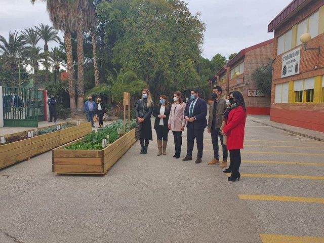 El presidente de la Comunidad visita nuestra Señora del Carmen - 2, Foto 2