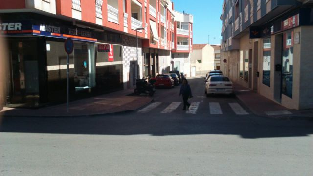 The PP requires the Councillor for Services to solve the problems in the street lighting in the area of the Gate, Foto 3