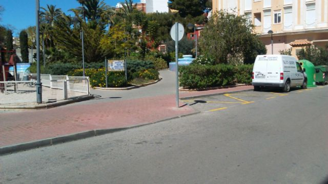 The PP requires the Councillor for Services to solve the problems in the street lighting in the area of the Gate, Foto 5