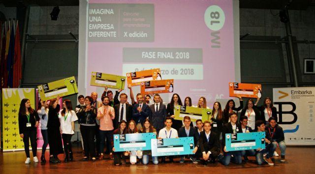 La Comunidad reconoce el talento y creatividad de las ideas de negocio más innovadoras desarrolladas por estudiantes de la Región - 1, Foto 1