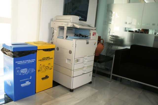 They implement the selective collection of light packaging waste, paper and cardboard in the municipal offices