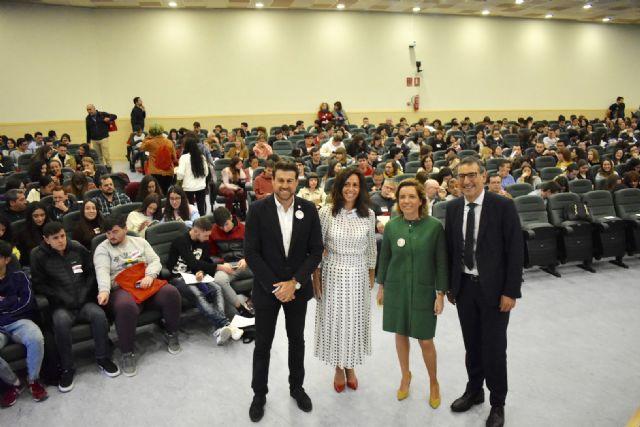 Más de 350 alumnos y 35 profesores participan en el X Congreso Regional de Investigadores Junior