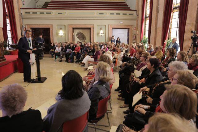 El Ayuntamiento respalda la actividad diaria de más de 12.000 murcianas en cada uno de los 72 Centros de la Mujer - 3, Foto 3