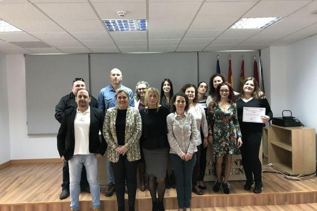 Los participantes en el Programa de Activación para el Empleo de la ADLE reciben sus diplomas - 1, Foto 1