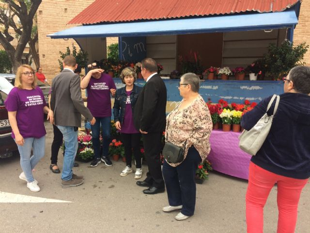 Totana commemorates the International Day of Fibromyalgia and Chronic Fatigue, with the reading of a manifesto and awareness actions in the Mobile Information Point - 4