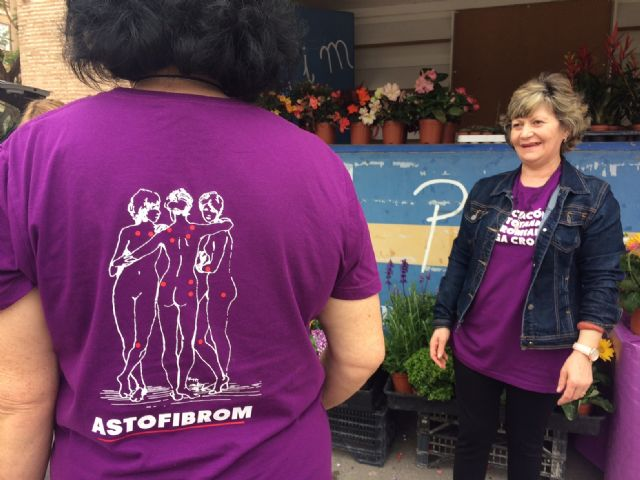 Totana commemorates the International Day of Fibromyalgia and Chronic Fatigue, with the reading of a manifesto and awareness actions in the Mobile Information Point - 6