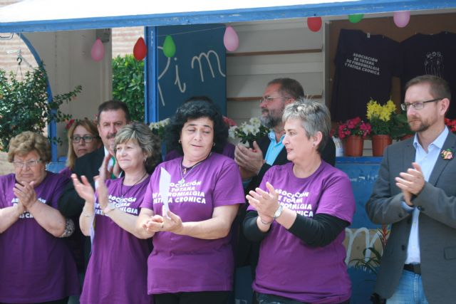 Totana commemorates the International Day of Fibromyalgia and Chronic Fatigue, with the reading of a manifesto and awareness actions in the Mobile Information Point - 9