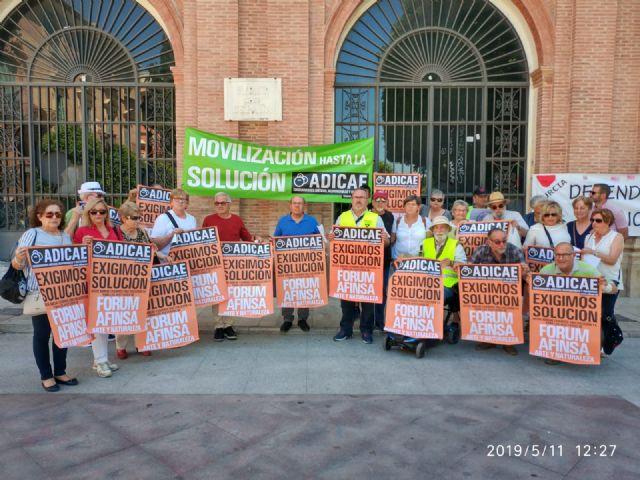 Adicae Murcia se concentra para llevar a España ante el Tribunal de Estraburgo por los casos Fórum-Afinsa-Arte y Naturaleza - 1, Foto 1