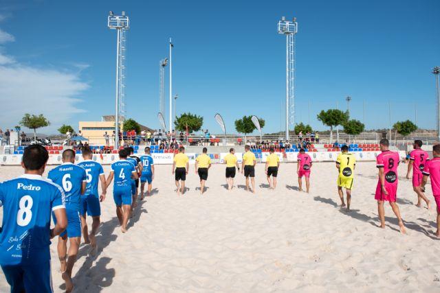 La liga nacional de fútbol playa estrena las nuevas instalaciones del complejo deportivo, Foto 1