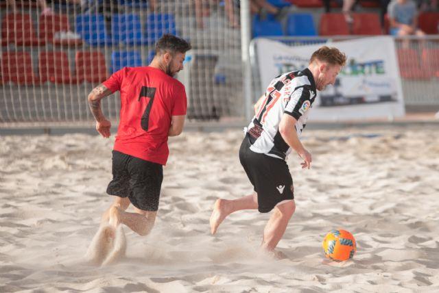 La liga nacional de fútbol playa estrena las nuevas instalaciones del complejo deportivo, Foto 4