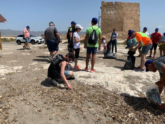 Cerca de medio centenar de personas participan en la Ruta del Día del Medio Ambiente - 1, Foto 1