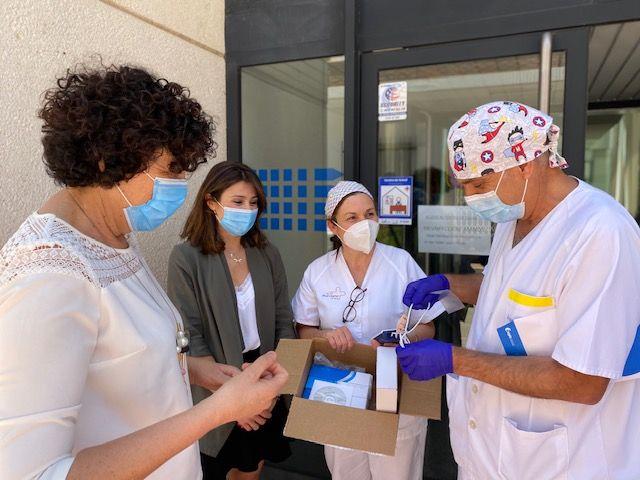 La campaña solidaria aporta 4 termómetros infrarrojos y 1 equipo portátil de saturación de oxígeno en sangre al centro médico de Puerto Lumbreras - 2, Foto 2
